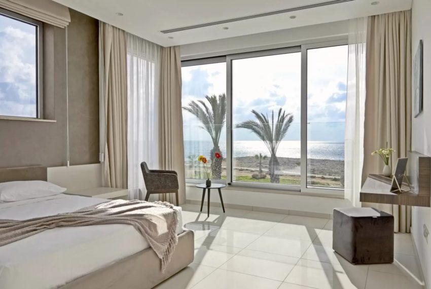 5-bedroom villa near the sea in Ayia Napa