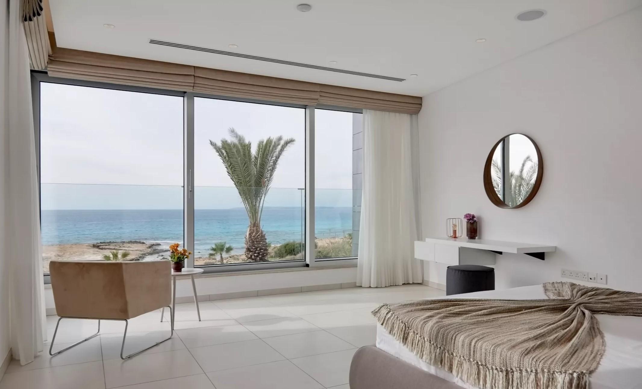 Luxury 6-bedroom beachfront villa in Ayia Napa