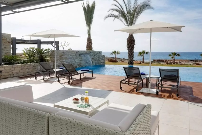 Luxury 6-bedroom beachfront villa in Ayia Napa